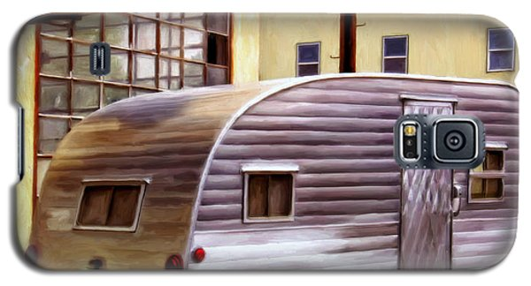 Becky's Vintage Travel Trailer Galaxy S5 Case by Michael Pickett