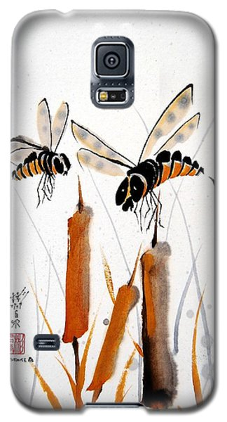 Galaxy S5 Case featuring the painting Bee-ing Present by Bill Searle