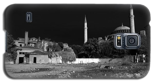Galaxy S5 Case featuring the photograph Behind The Hagia Sophia by Ross Henton