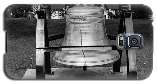 Bell At Tn State Capitol Galaxy S5 Case by Robert Hebert