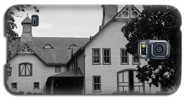 Belle Meade Mansion Carriage House Galaxy S5 Case by Robert Hebert