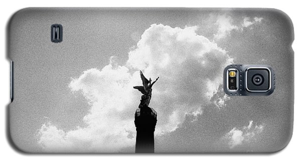 Galaxy S5 Case featuring the photograph Berlin Victory Column by Dean Harte