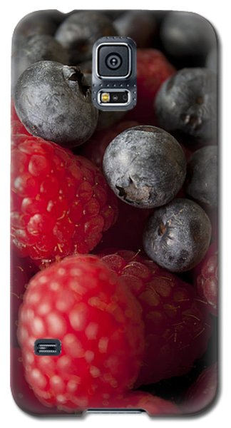 Galaxy S5 Case featuring the photograph Berries by Ivete Basso Photography