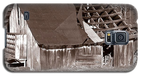 Galaxy S5 Case featuring the photograph Better Days by Craig T Burgwardt