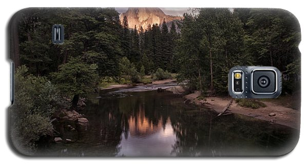 Between Every Two Pines Is A Doorway To A New World Galaxy S5 Case