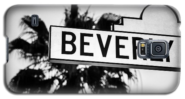 Beverly Boulevard Street Sign In Black An White Galaxy S5 Case by Paul Velgos