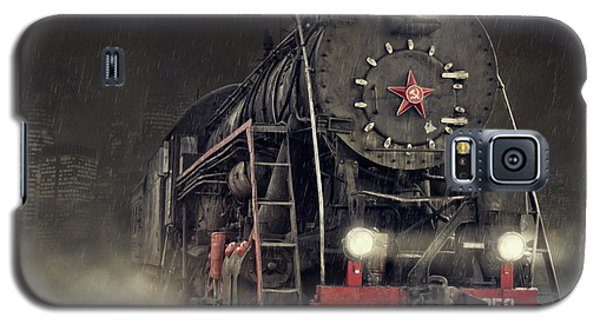 Train Galaxy S5 Case - Beyond Express by Dmitry Laudin