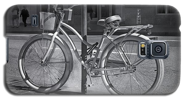 Bicycle Galaxy S5 Case - Bicycle by Betsy Knapp