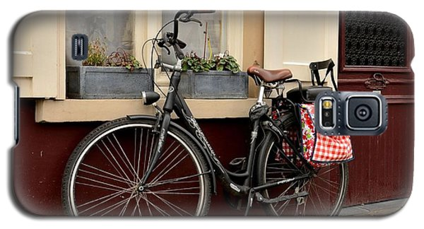 Bicycle With Baby Seat At Doorway Bruges Belgium Galaxy S5 Case