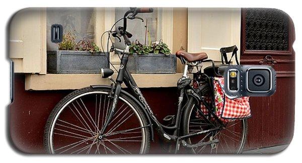 Bicycle With Baby Seat At Doorway Bruges Belgium Galaxy S5 Case