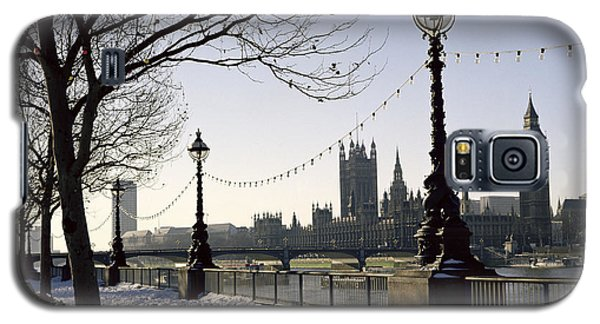 Big Ben Westminster Abbey And Houses Of Parliament In The Snow Galaxy S5 Case by Robert Hallmann