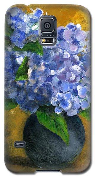 Big Hydrangeas In Little Black Vase Galaxy S5 Case