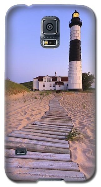 Sunset Galaxy S5 Case - Big Sable Point Lighthouse by Adam Romanowicz