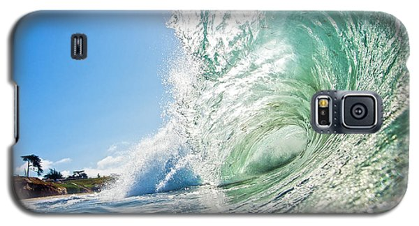 Big Wave On The Shore Galaxy S5 Case by Paul Topp