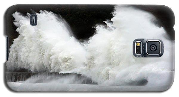 Big Waves Breaking On Breakwater Galaxy S5 Case