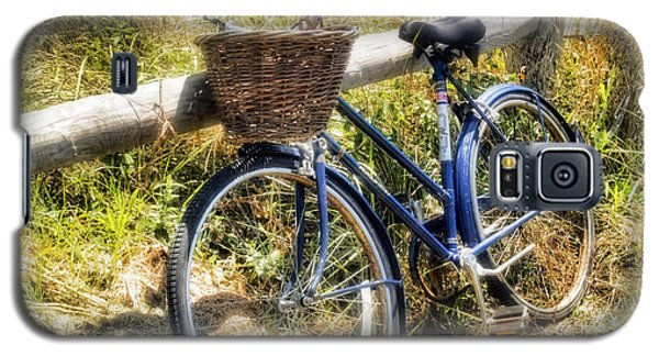 Bike At Nantucket Beach Galaxy S5 Case by Tammy Wetzel