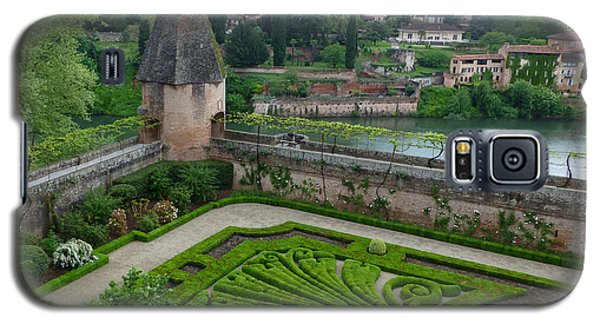 Galaxy S5 Case featuring the photograph Bishop Garden In Albi France by Susan Alvaro