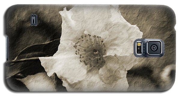 Black And White Flower With Texture Galaxy S5 Case