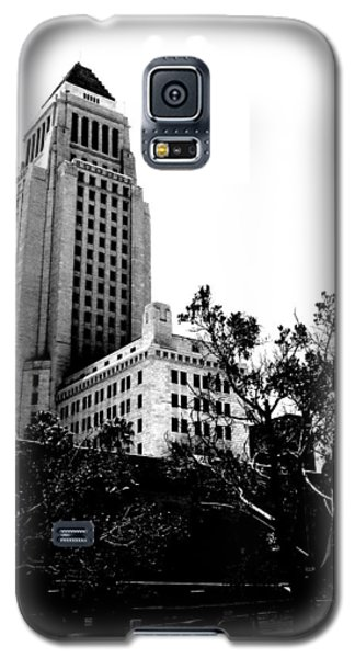 Black And White Los Angeles Abstract City Photography...la City Hall Galaxy S5 Case by Amy Giacomelli