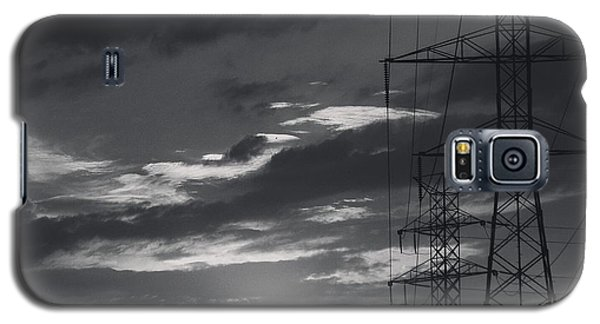 Black And White Skies Galaxy S5 Case