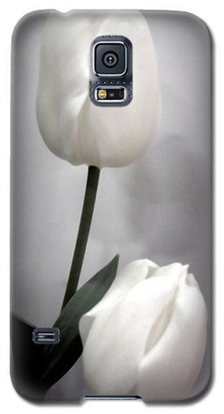 Black And White Tulips  Galaxy S5 Case