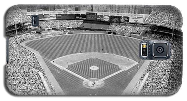 Yankee Stadium Galaxy S5 Case - Black And White Yankee Stadium by Horsch Gallery