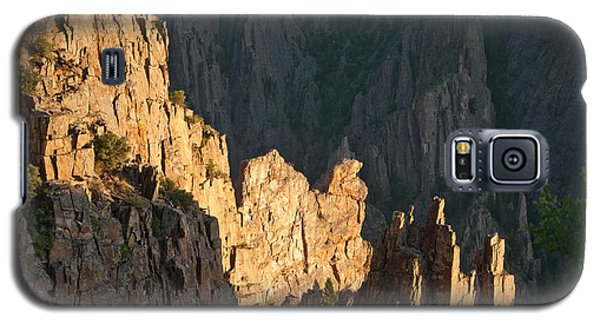 Galaxy S5 Case featuring the photograph Black Canyon Sitting Camel  by Eric Rundle