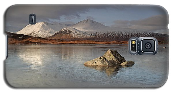 Black Mount And Lochan Na H-achlaise Galaxy S5 Case