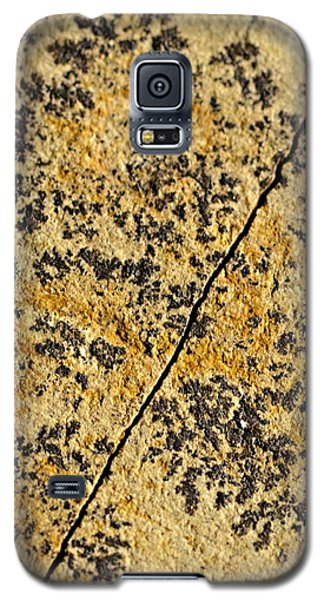 Black Patterns On The Sandstone Galaxy S5 Case by Jozef Jankola