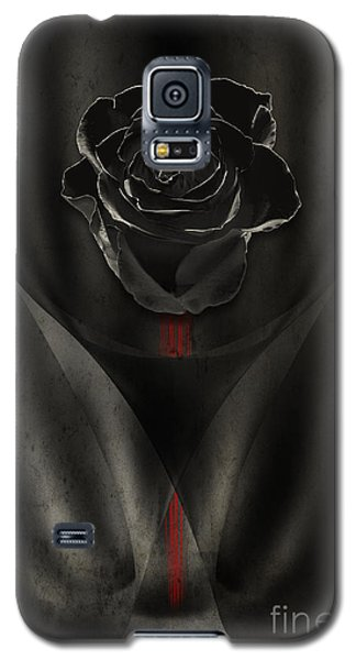 Black Rose In Dark Galaxy S5 Case by Johnny Hildingsson