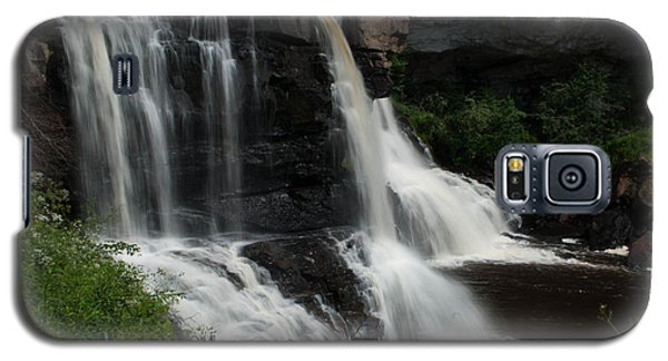 Galaxy S5 Case featuring the photograph Blackwater Falls - Wat 320 by G L Sarti