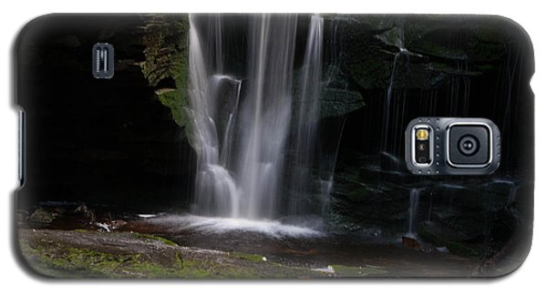 Galaxy S5 Case featuring the photograph Blackwater Falls - Wat325-2 by G L Sarti