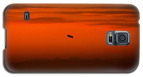 Blimp At Dusk Galaxy S5 Case