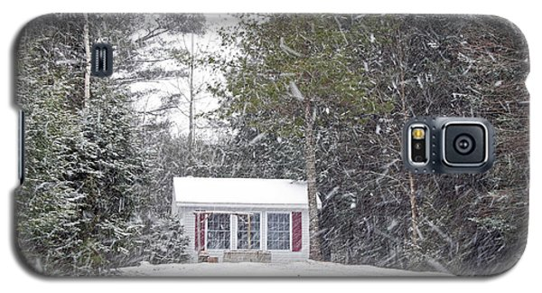Galaxy S5 Case featuring the photograph Blizzard Of 2013 Begins by Barbara West