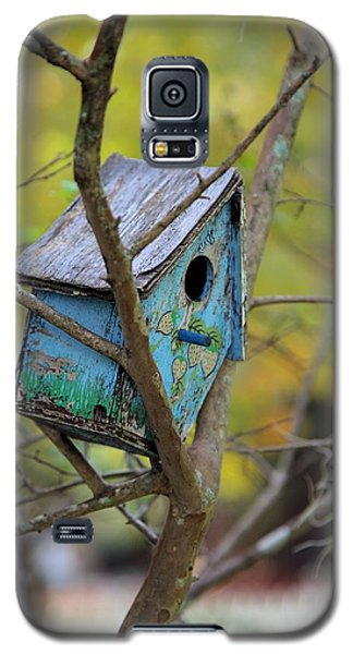 Galaxy S5 Case featuring the photograph Blue Birdhouse by Gordon Elwell