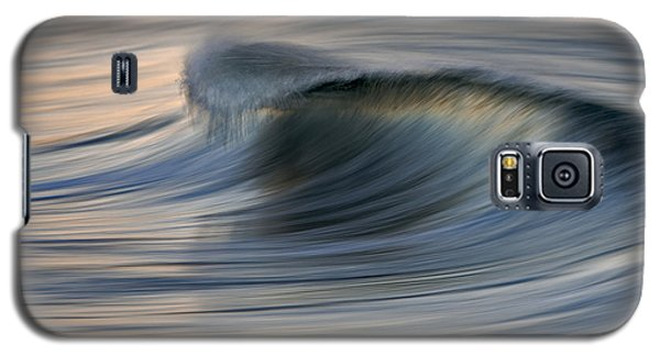 Galaxy S5 Case featuring the photograph Blue Curl 73a7892 by David Orias