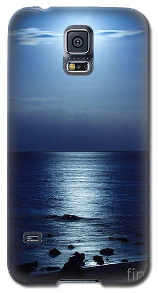 Blue Moon Rising Galaxy S5 Case by Peta Thames