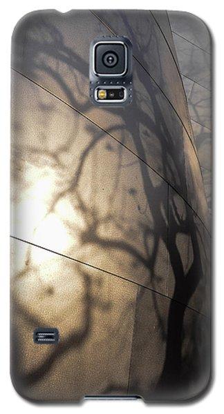 Blue Ribbon Garden 2 Galaxy S5 Case by Gandz Photography