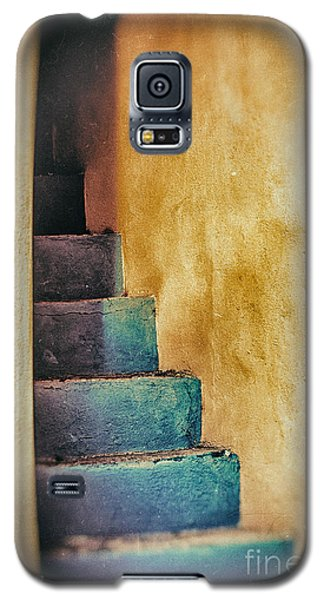 Blue Stairs - Yellow Wall    Galaxy S5 Case