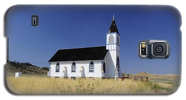 Galaxy S5 Case featuring the photograph Blue Trim Church by Fran Riley