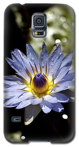 Galaxy S5 Case featuring the photograph Waterlily After The Rain ... by Lehua Pekelo-Stearns
