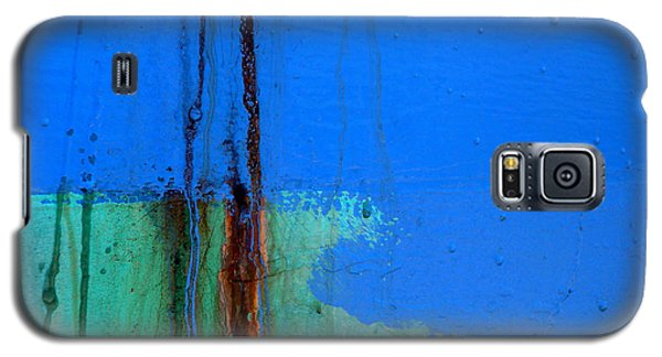 Galaxy S5 Case featuring the photograph Blue With Streaks 2 by Robert Riordan