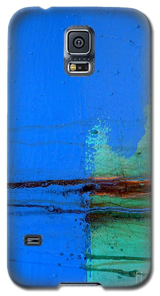 Galaxy S5 Case featuring the photograph Blue With Streaks by Robert Riordan