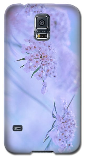 Galaxy S5 Case featuring the photograph Blushing Bride by Annette Hugen