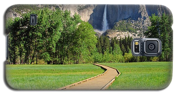 Boardwalk To Yosemite Falls  Galaxy S5 Case