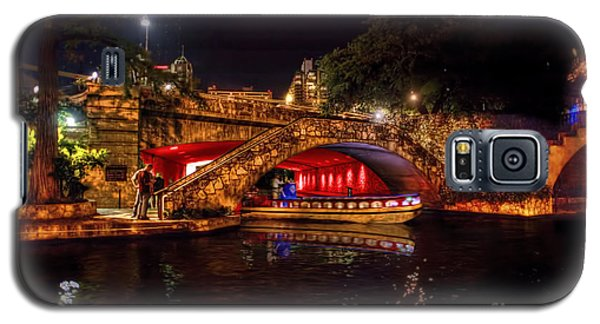 Boat On Canal Riverwalk San Antonio At Night Galaxy S5 Case