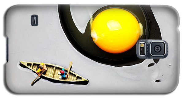 Boating Around Egg Little People On Food Galaxy S5 Case