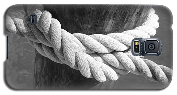 Galaxy S5 Case featuring the photograph Boatman's Knot by Ellen Tully