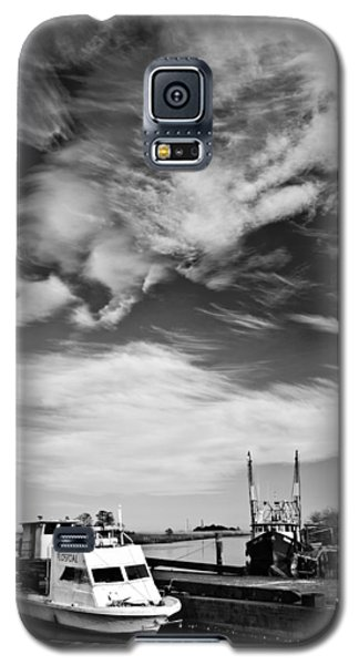 Boats And Sky Bw Galaxy S5 Case