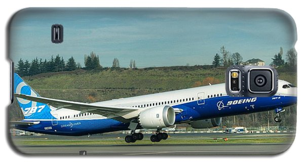 Galaxy S5 Case featuring the photograph Boeing 787-9 Gets Airborne by Jeff Cook